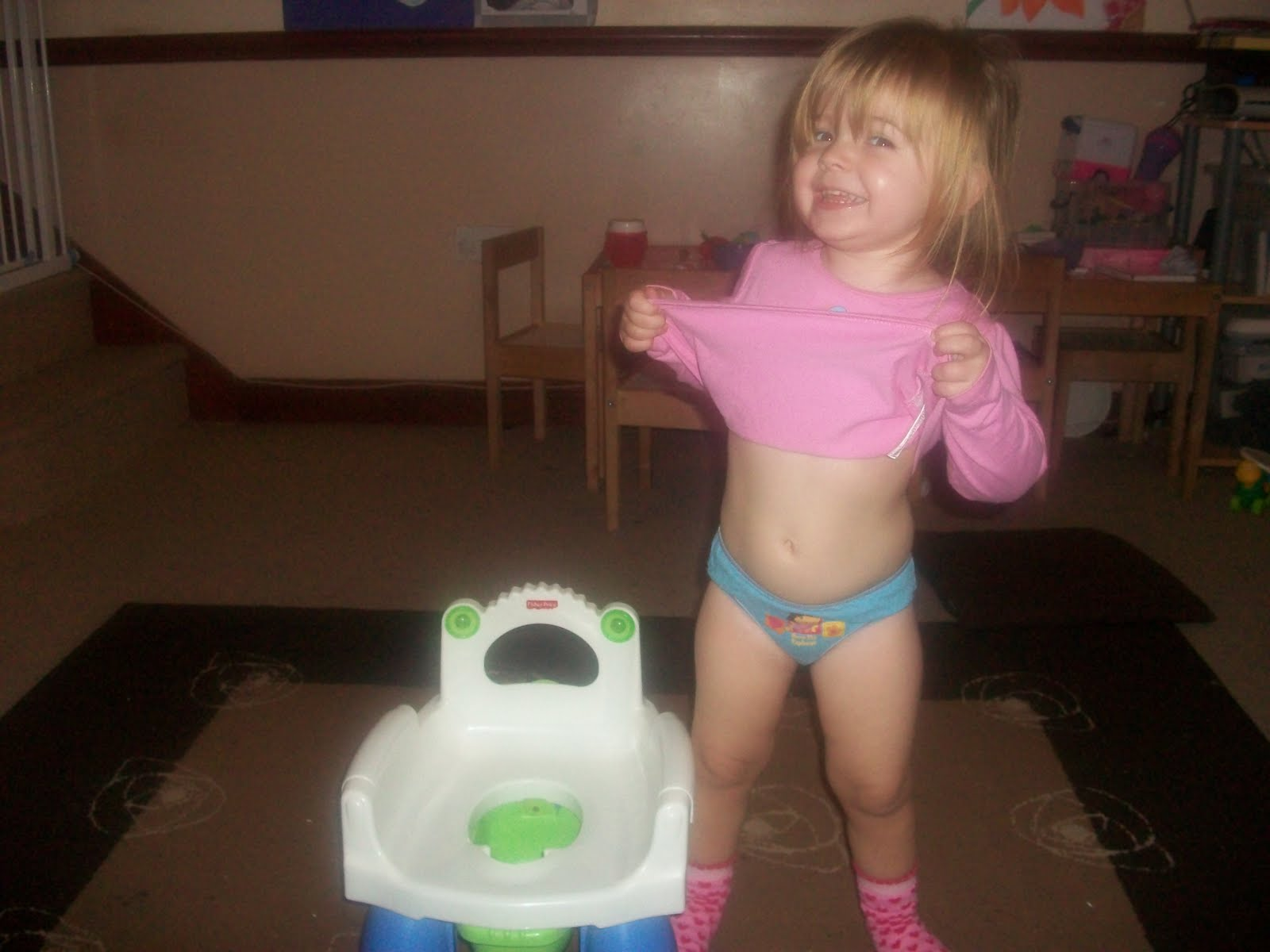 Down falling naked pantis girls
