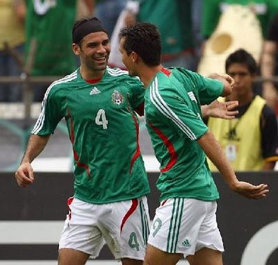 Bultos De Futbolistas Mexicanos