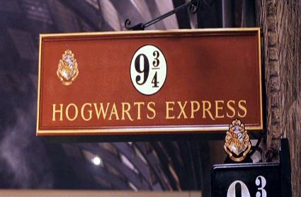 D E C E P T O L O G Y: A very proper Harry Potter subway prank