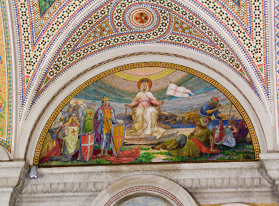 Cathedral Basilica of Saint Louis, in Saint Louis, Missouri - Our Lady's Chapel, mosaic of apparition of the Blessed Virgin Mary to Crusaders and Saracens