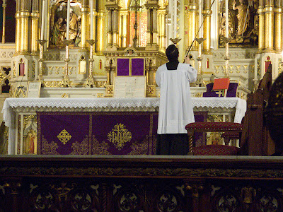 Altar decorated for Lent at Saint Francis de Sales Oratory, in Saint Louis, Missouri
