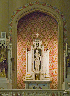 Saint Margaret of Scotland Church, in Saint Louis, Missouri, USA - Altar of Saint Joseph