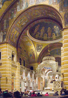Cathedral Basilica of Saint Louis, in Saint Louis, Missouri - Institute of Christ the King Sovereign Priest celebrating Mass in commemoration of Saint Thomas Aquinas