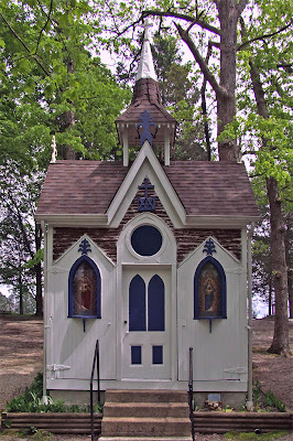 Shrine of Our Lady of Sorrows, in Starkenberg, Missouri, USA - old log chapel