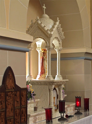 Shrine of Our Lady of Sorrows, in Starkenberg, Missouri, USA - Altar to the Infant Jesus