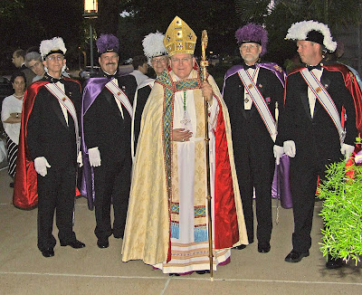 Cathedral Basilica of Saint Louis, in Saint Louis, Missouri, USA - Archbishop Raymond Leo Burke and his Knights of Columbus honor guard
