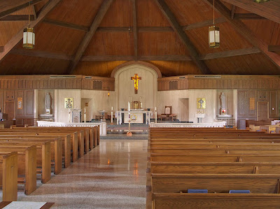 Sainte Genevieve du Bois Roman Catholic Church, in Warson Woods, Missouri, USA - nave