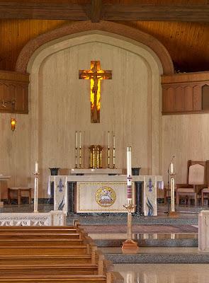 Sainte Genevieve du Bois Roman Catholic Church, in Warson Woods, Missouri, USA - sanctuary