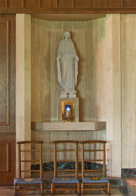Sainte Genevieve du Bois Roman Catholic Church, in Warson Woods, Missouri, USA - Statue of the Blessed Virgin Mary