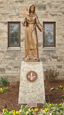 Sainte Genevieve du Bois Roman Catholic Church, in Warson Woods, Missouri, USA - statue of Sainte Geneviève