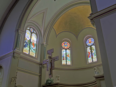 Saint Charles Borromeo Roman Catholic Church, in Saint Charles, Missouri, USA - apse