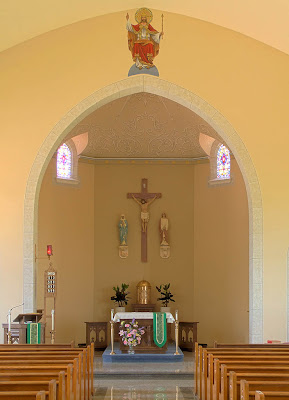 Saint Ignatius of Loyola Roman Catholic Church, in Concord Hill, Missouri, USA - sanctuary
