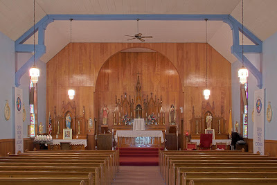 Saint Stephen Roman Catholic Church, in Richwoods, Missouri, USA - nave
