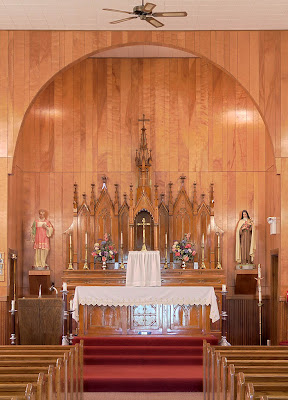 Saint Stephen Roman Catholic Church, in Richwoods, Missouri, USA - sanctuary