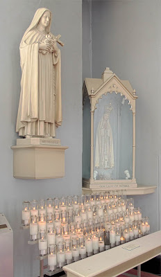 Basilica of Saint Louis, King of France, in Saint Louis, Missouri, USA - Saint Thérèse of Lisieux and Our Lady of Fatima