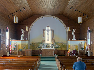 Saint James Roman Catholic Church, in Catawissa, Missouri, USA - nave