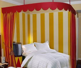 Decorating theme bedrooms maries manor circus bedroom ideas circus theme bedroom decor - Idee deco huisbar ...