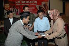 ALBUM PELUNCURAN BUKU HM SOEHARTO MEMBANGUN CITRA ISLAM