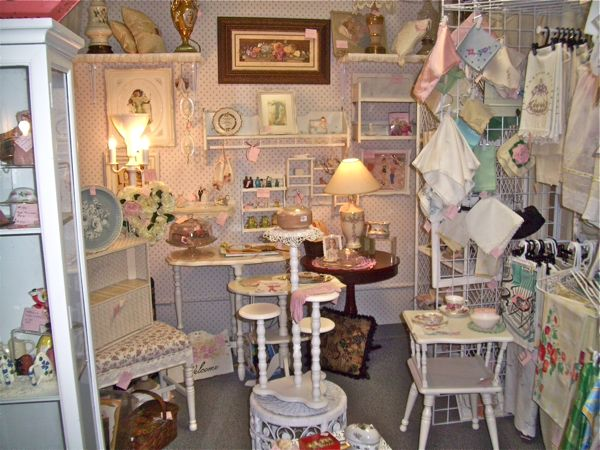 The Polka Dot Closet My Antiques Booth What Sells And What Doesnt