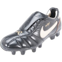 7f09254786d Ronaldinho Shoes - Ronaldinho Nike Tiempo 10R Soccer Shoes