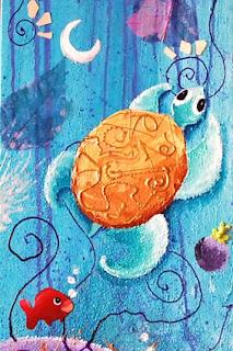 une tortue qui nage dans des fonds aquatique sous marin, des couleurs chaudes bleus, du rêve un poisson rouge. cette illustration, cette peinture a été réalisée par laure phelipon