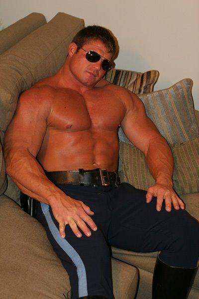 Gay bodybuilder police porn get smashed by 2