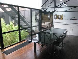 design for loft poutres apparentes et mezzanines de loft. Black Bedroom Furniture Sets. Home Design Ideas