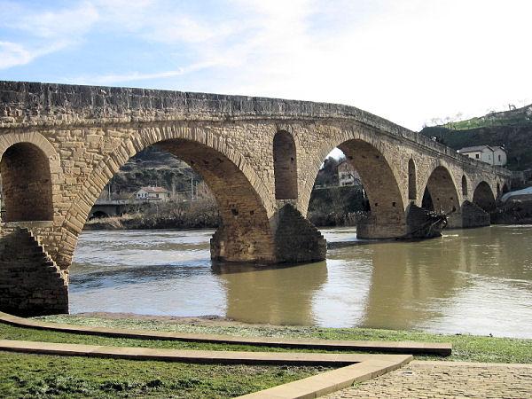 [0986_puente_la_reina.jpg]