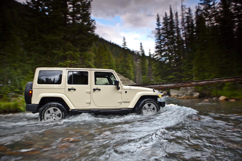 jeep wrangler 2011 gets new interior
