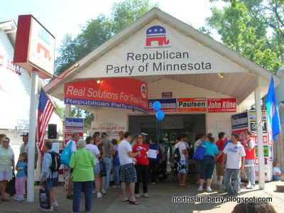 MN GOP booth, afternoon