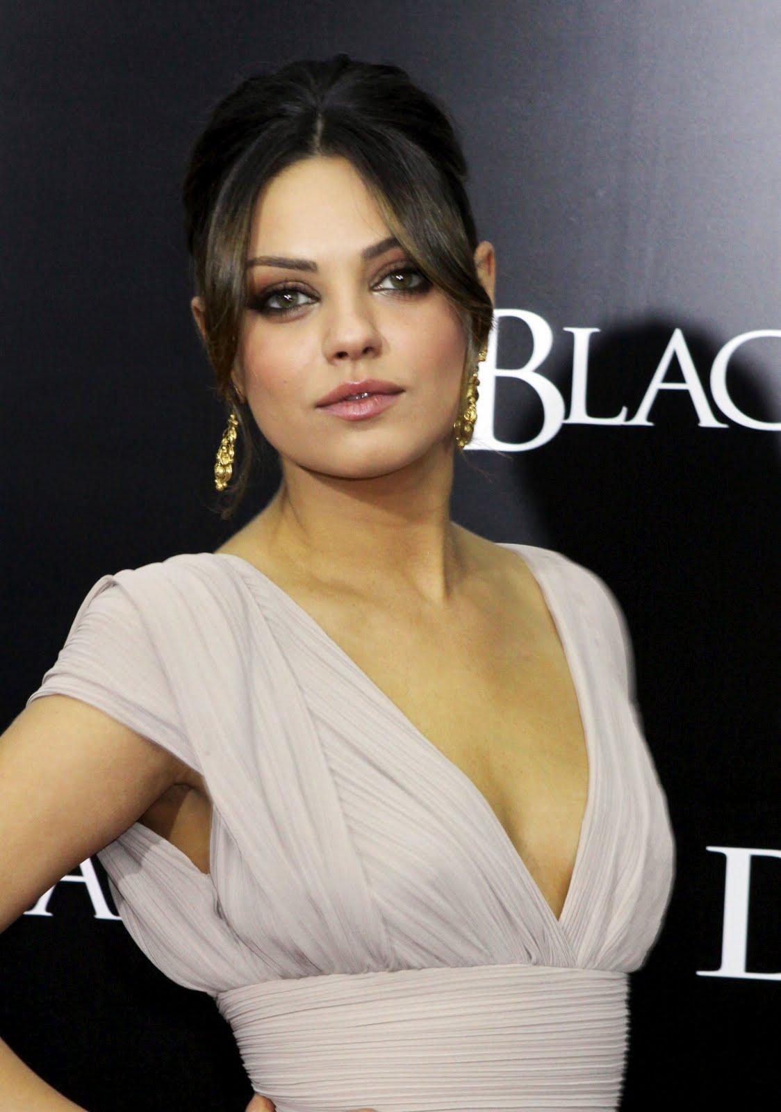 Mila Kunis Nude Sexy