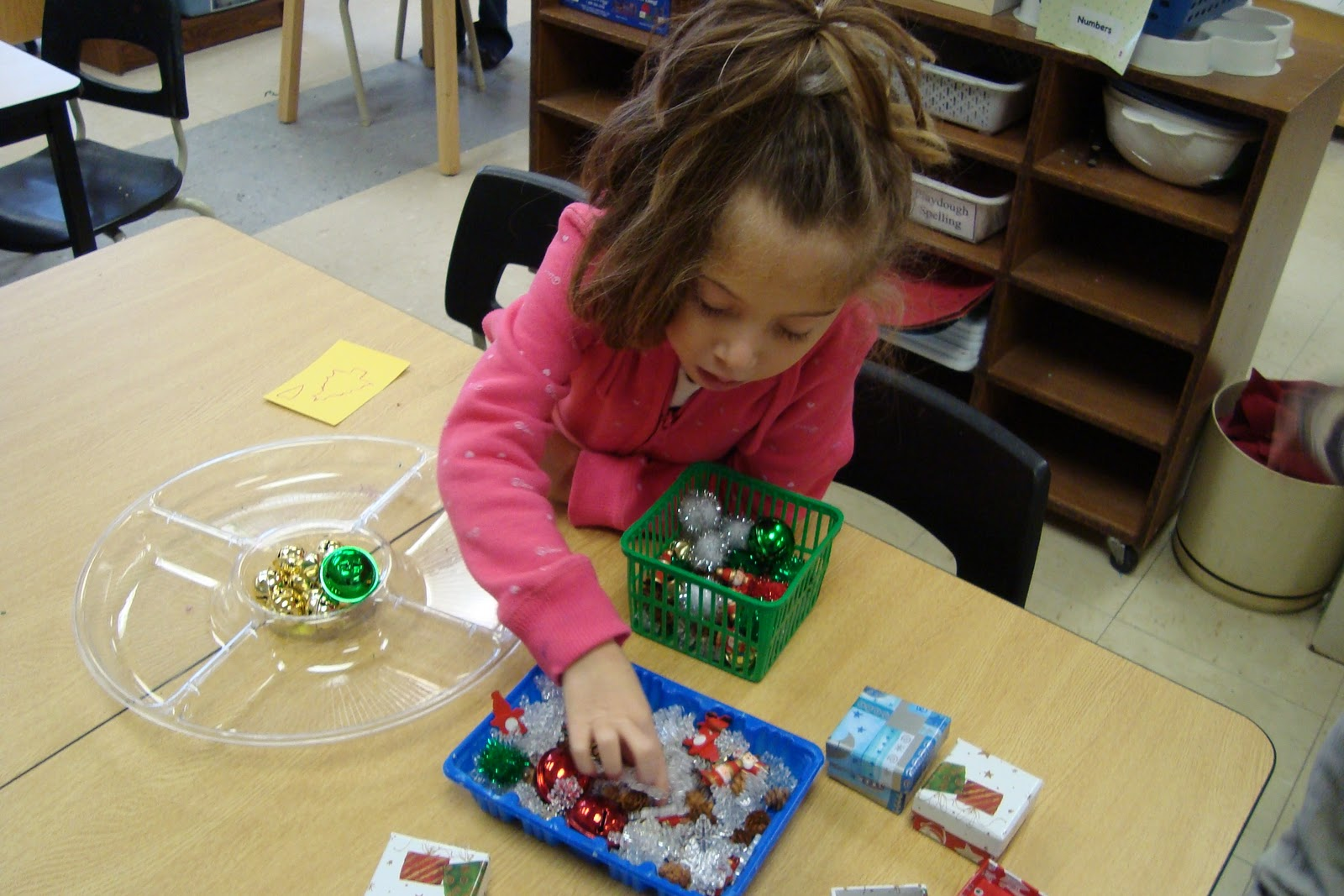 Joyful Learning In The Early Years Sorting Holiday Objects