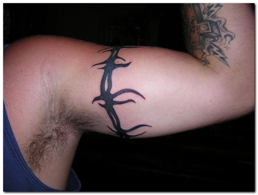 Barbed Wire Tattoo Designs: O9100uwe: Barbed Wire Tattoo Designs