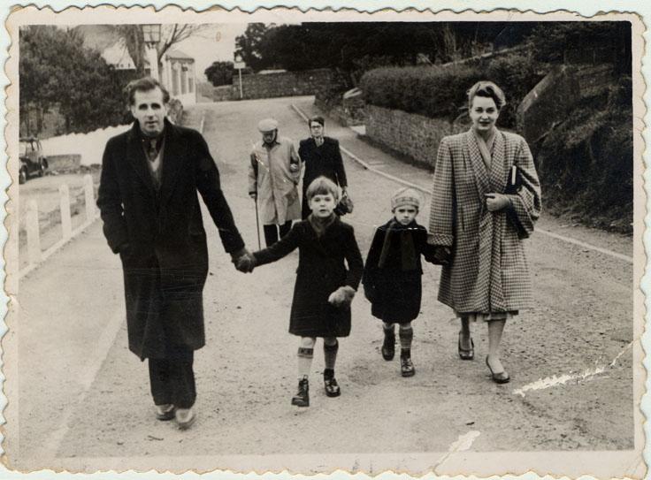 [Peake+Family-Guernsey.jpg]