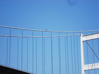 FSM Köprüsü üstünde adamlar
