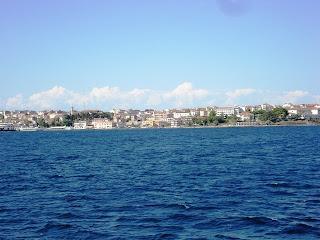 Lapseki'den Gelibolu'ya geçerken denizden Gelibolu