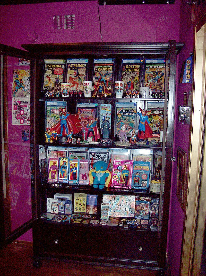Statues and superheroes comic book storage and display - Comic book display shelves ...