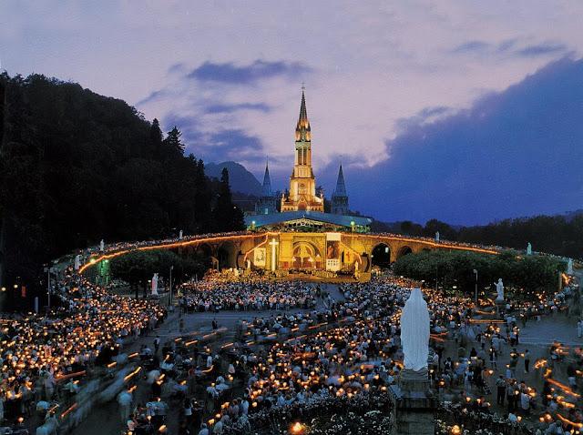 Procissão das velas em Lourdes