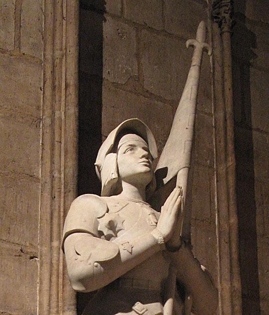 Santa Joana d'Arc, Notre Dame, Paris, Herois medievais