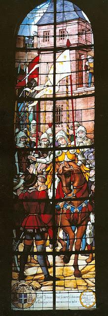 Santa Joane d'Arc auxilia a cidade de Compiegne, St-Jacques de Compiègne, Herois medievais