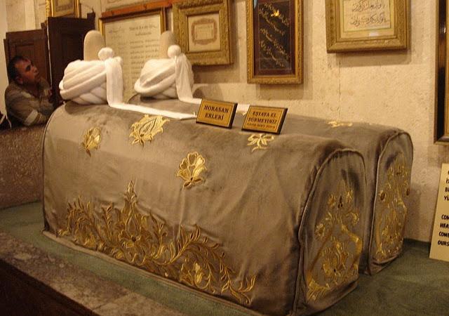 Jalan Sufi : Makam WaliAllah di Jakarta