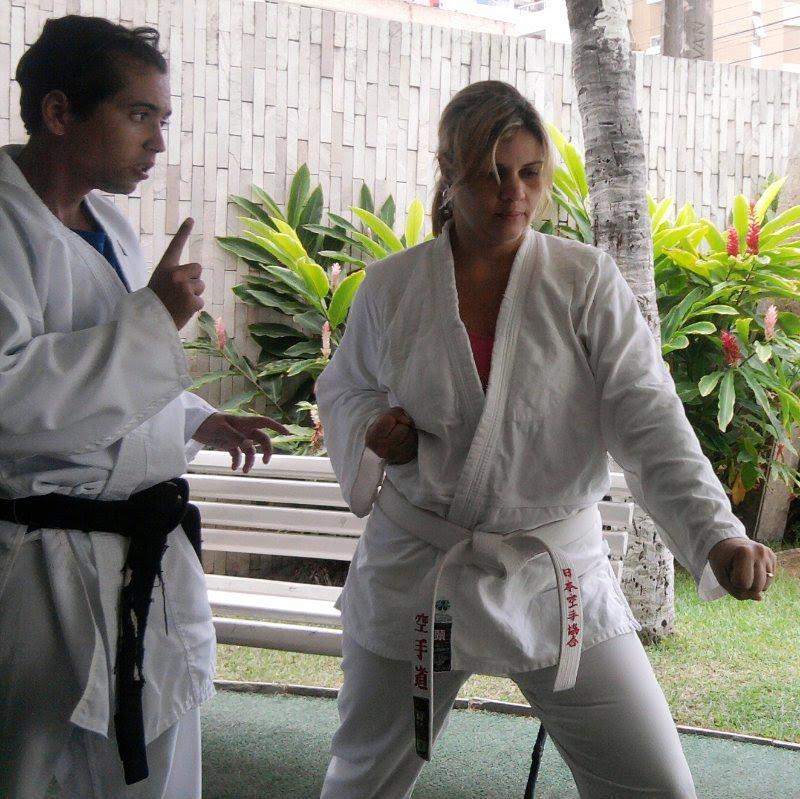 El gato karateka latino dating
