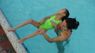 Hidroterapia Descargas+de+peso opt La hidroterapia como alternativa pedagógica para niños de infantil