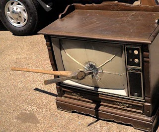 http://no-maam.blogspot.ca/2007/03/fine-art-of-tv-repair.html
