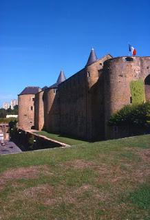 Sedan dans Villes des ardennes sedan+chateau+fort+3