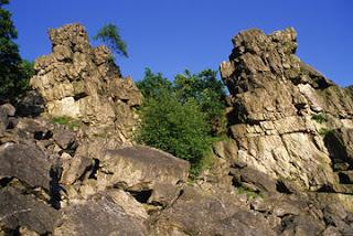 Roc La Tour dans Légendes Ardennaises roc_la_tour_imagelarge
