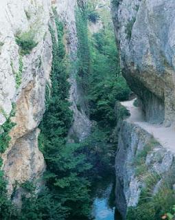 Fotografía del río Purón, que forma el enclave más señalado de esta zona alavesa