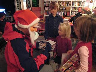 Efter jultomten kommer fogden