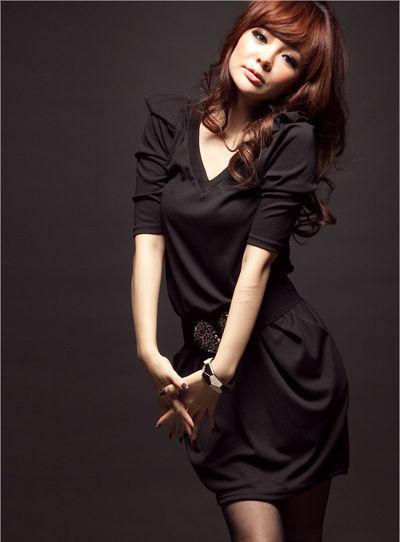 Variasikan Jenis Pakaian Yang Sesuai Dengan Bentuk tubuh. Tentu akan bosan  bila selalu mengenakan warna yang senada atau warna gelap. a01da4f943
