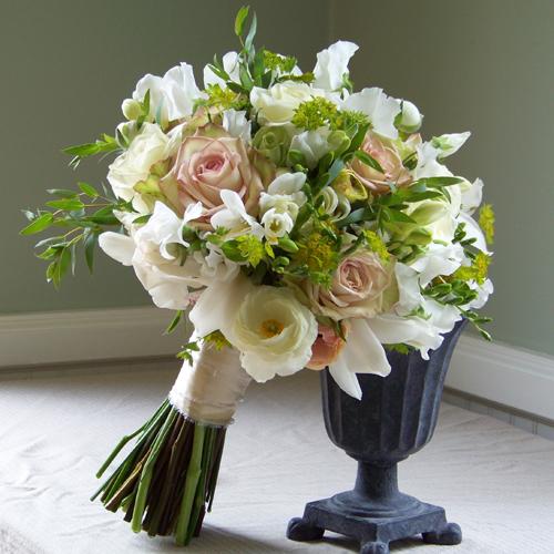 Classic Wedding Bouquets: Premium Flowers: Wedding Themes: Vintage Bridal Bouquets